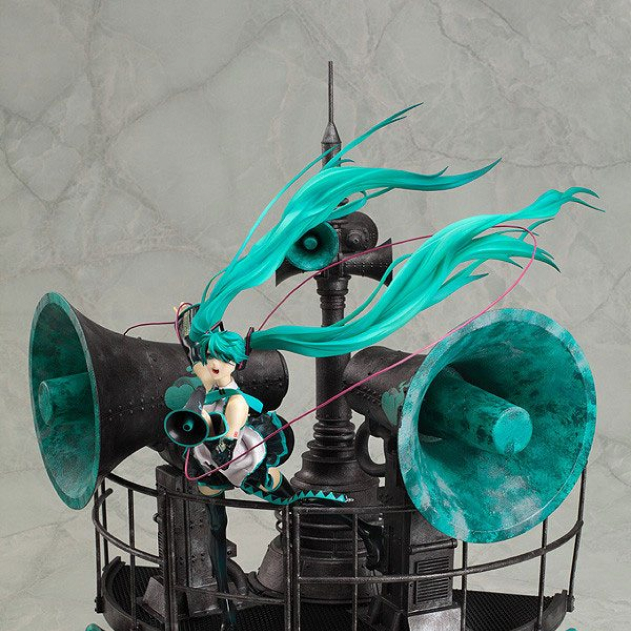 Character Vocal Series 01: Hatsune Miku PVC Statue 1/8 Love is War Ver. DX 40 cm