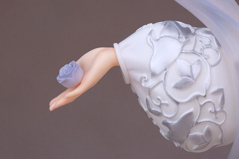 National Treasure PVC Statue 1/7 Silver Sachet with Grape Flower and Bird Pattern 21 cm